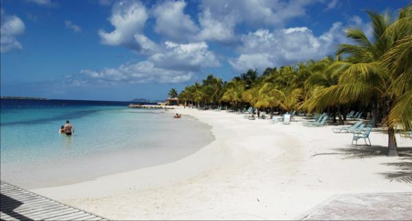Hotel harbour village for Hoteles en islas privadas