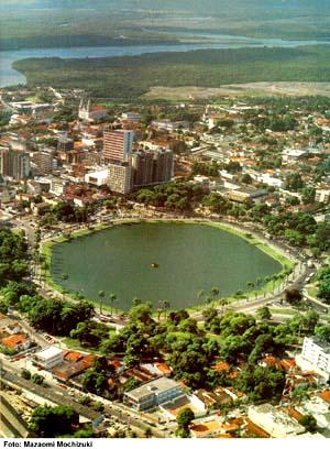 AÈREA DA LAGOA EM CENTRO CIDADE